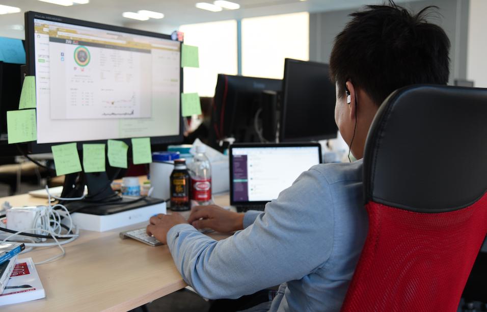 コーディングに打ち込みたい方へ 月間300万人が利用するFinTechサービスの開発を通し、最新の技術に触れたいアプリケーションエンジニア募集!