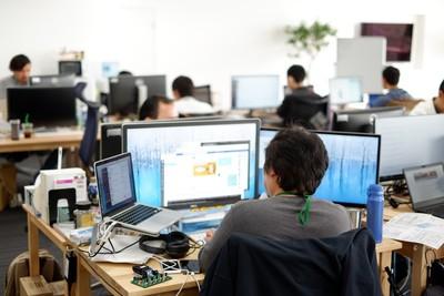 大規模走行データのサービス基盤開発・運用SRE募集!