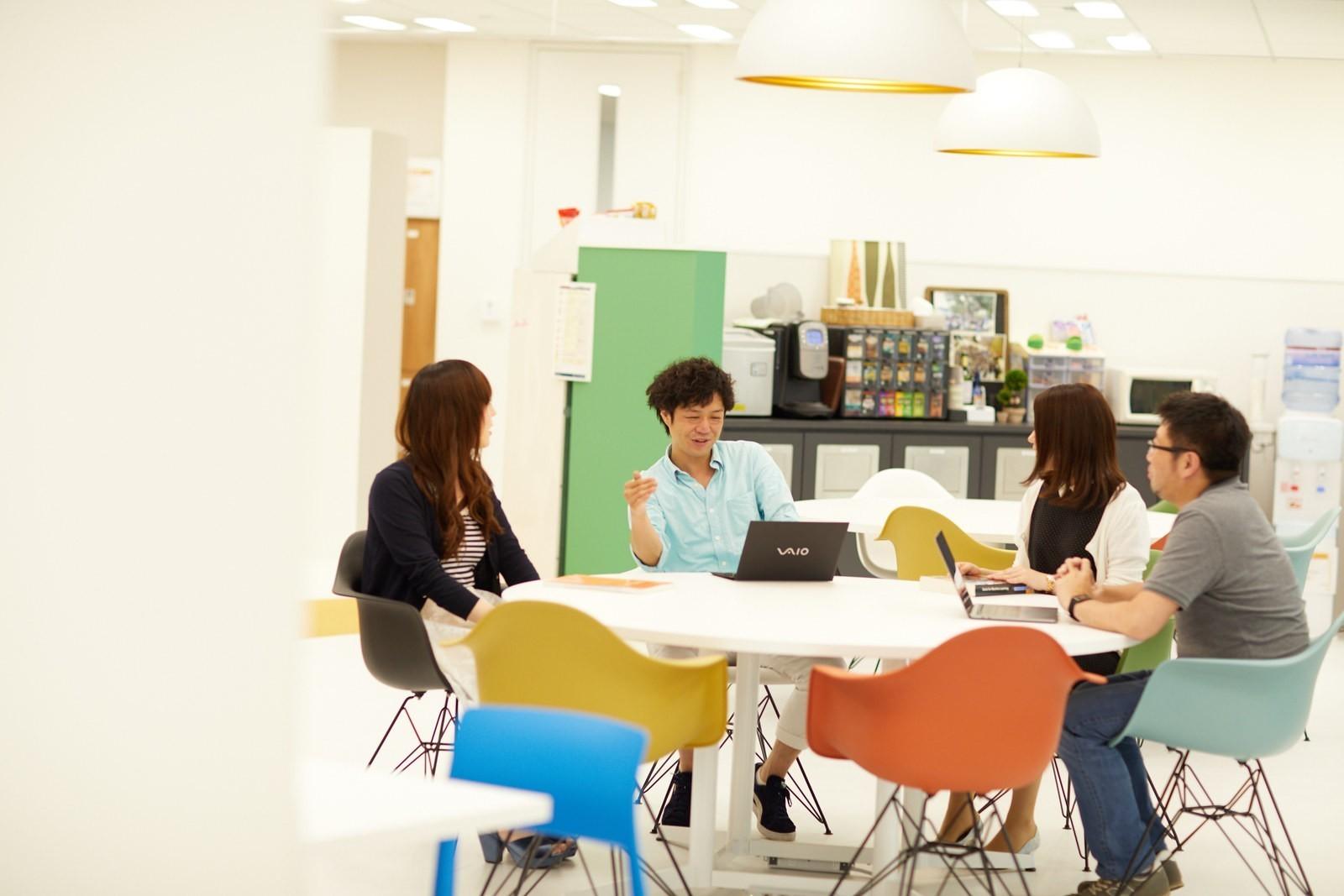 【東京】自社アプリ開発のリーダー募集!海外子会社のメンバー教育含め組織全体の成長を牽引していただきます!