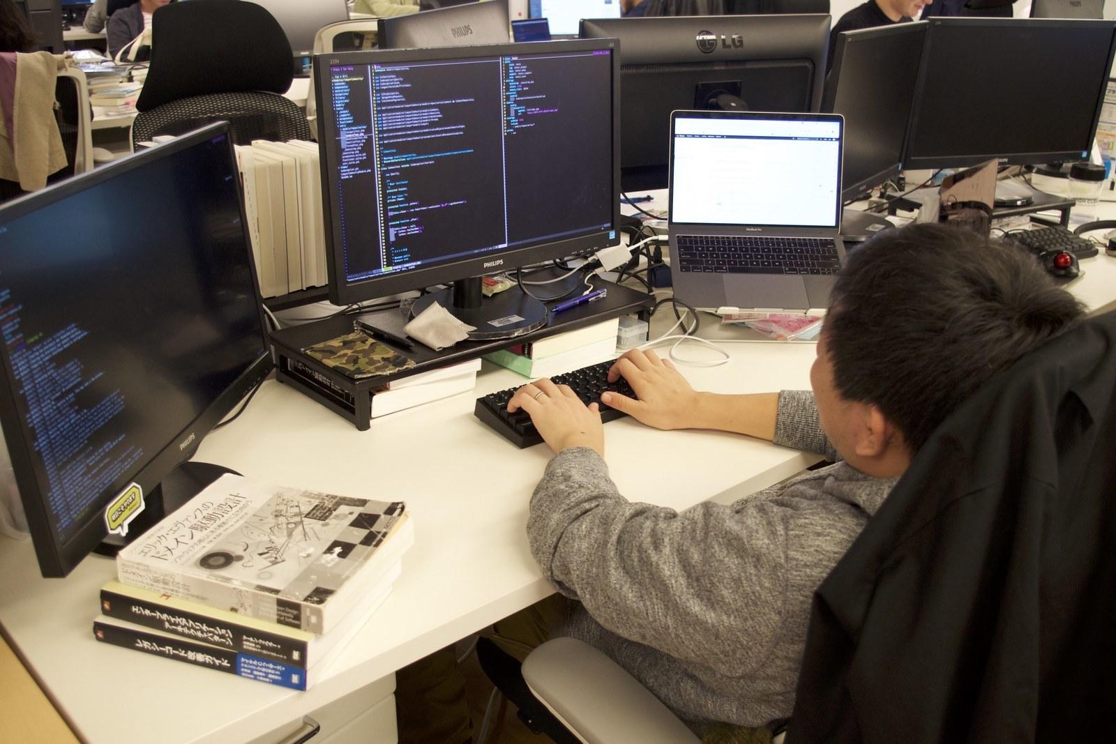 日本最大級の法律相談ポータルサイト「弁護士ドットコム」で職種越境で仮説検証を高速回転させたいシニアフロントエンドエンジニアを募集