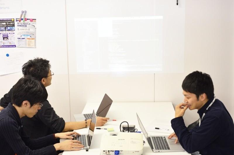 Solrベースの企業内検索エンジン「Neuron」を開発するフロントエンド・バックエンドエンジニアを募集!