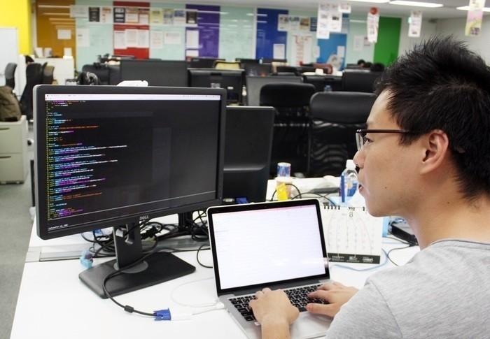親会社リクルートの案件から自社顧客の課題解決ソリューションまで、様々な製品開発・導入を手がけるニジボックスが Webエンジニアを募集!