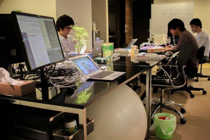 株式会社ビザスク・日本初15,000人超のビジネス知見をつなぐ「ビザスク」の初iOS化をリードしてくれるエンジニアを募集!
