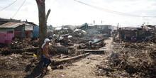 比台風の最大被災地タクロバンから現地レポート 日系語学学校が炊き出し | 土橋克寿