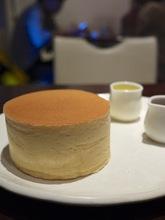 日本一5cmの厚みに圧倒される!横浜SONJINのパンケーキ